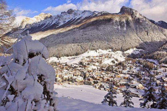 Moena, perla alpina della Val di Fassa - Veduta invernale