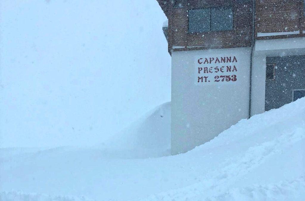 Piste aperte sul Presena: 2 metri di neve fresca, si scia da sabato 3 novembre