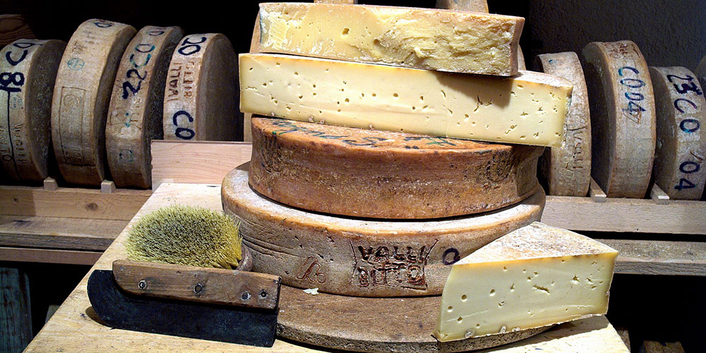 Il Bitto, formaggio d'Alpe: storia e luoghi di produzione