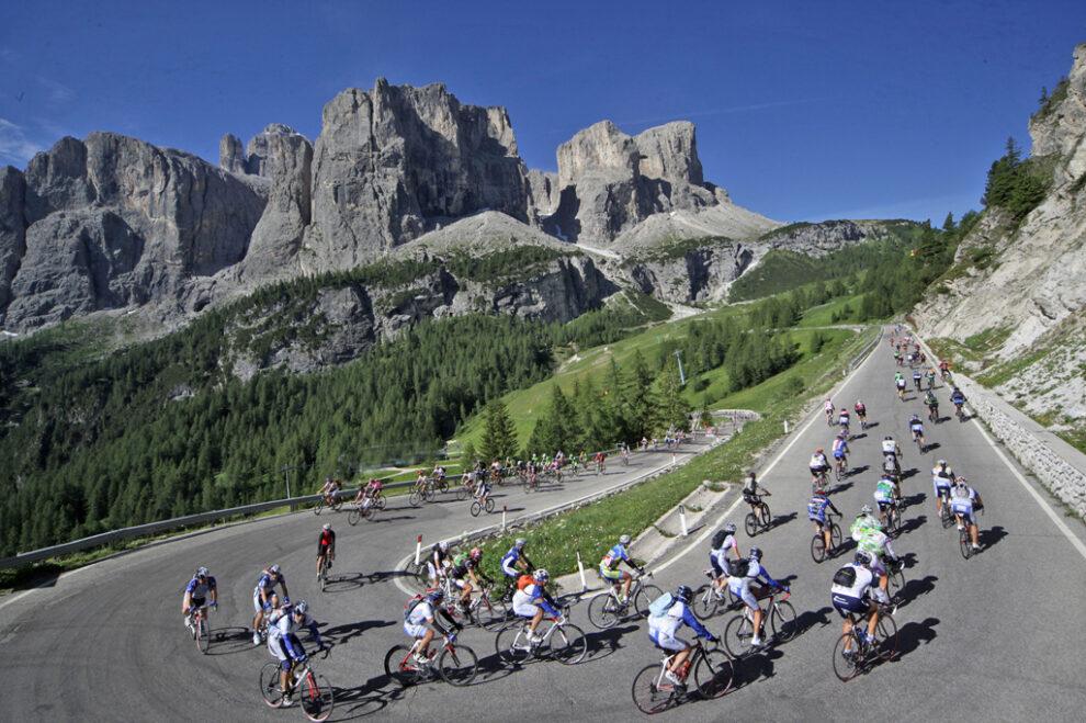 Sellaronda Bike Day 2021: pedalare sulle Dolomiti, senz'auto