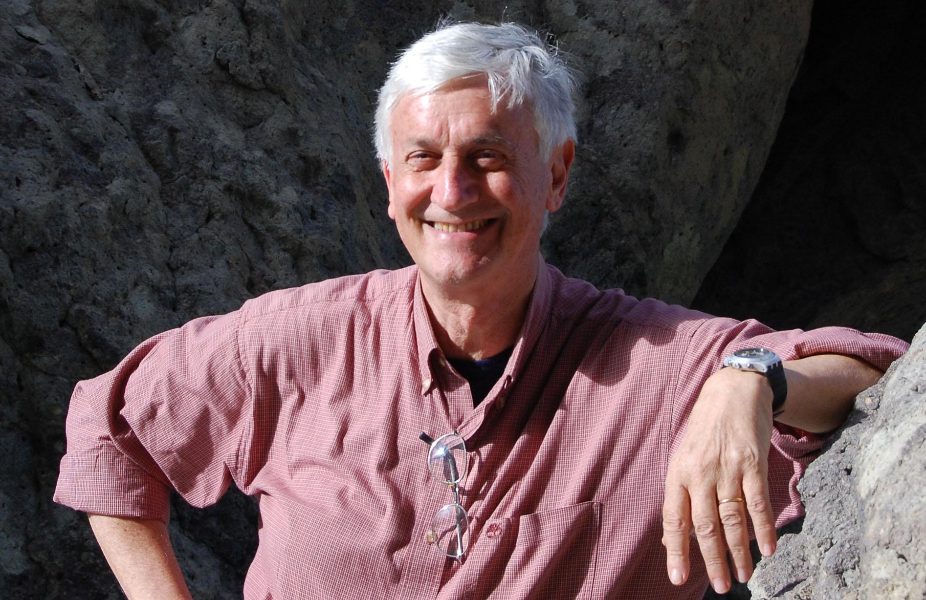 """Piero Badaloni, giornalista, scrittore e autore dei documentari """"Dolomiti - montagne, uomini e storie"""""""