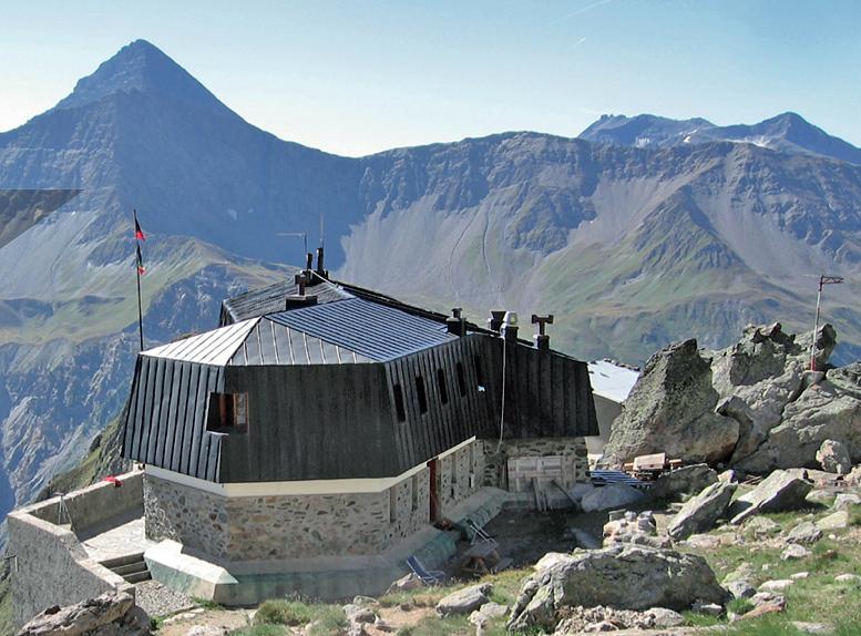 """Mostra """"""""Rifugiarsi tra le vette. Capanne e bivacchi in Valle d'Aosta"""""""