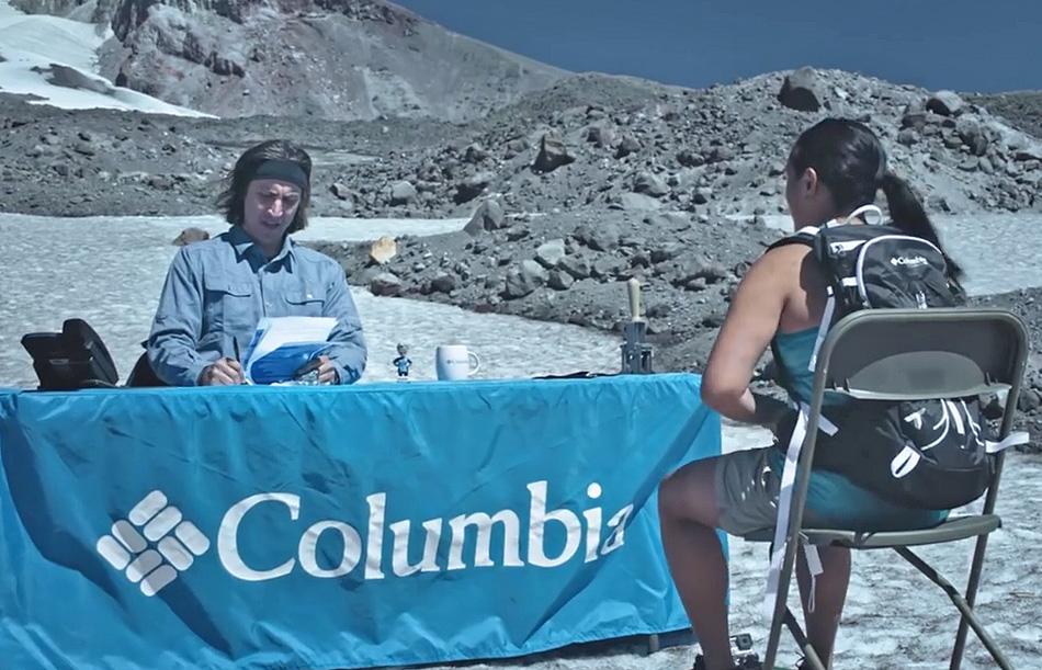 Columbia cerca due tester