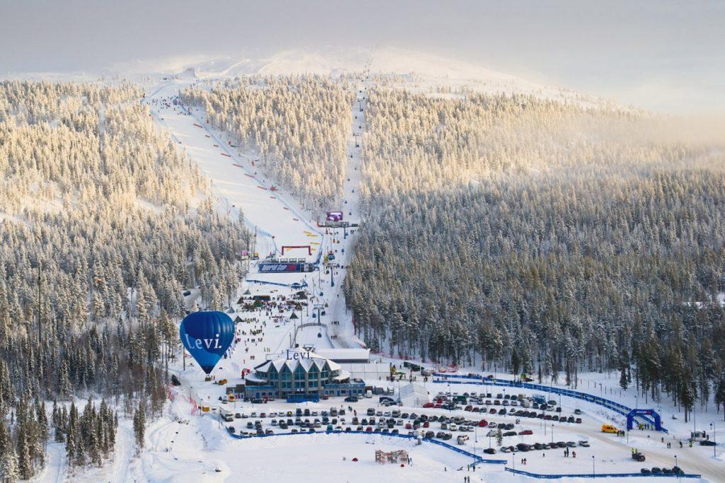Slalom di Levi: primi allenamenti su pista barrata