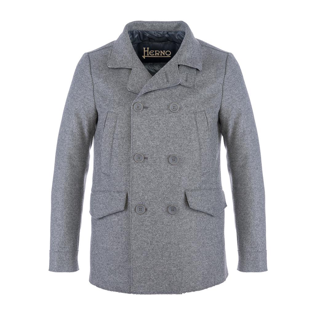 Il peacoat realizzato in lana cotta con tagli al vivo, con tecnologia HERNO IN-TECH