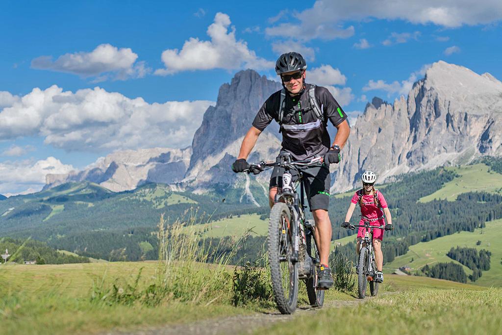 BMW HERO Südtirol Dolomites annullata: gara rinviata al giugno 2021