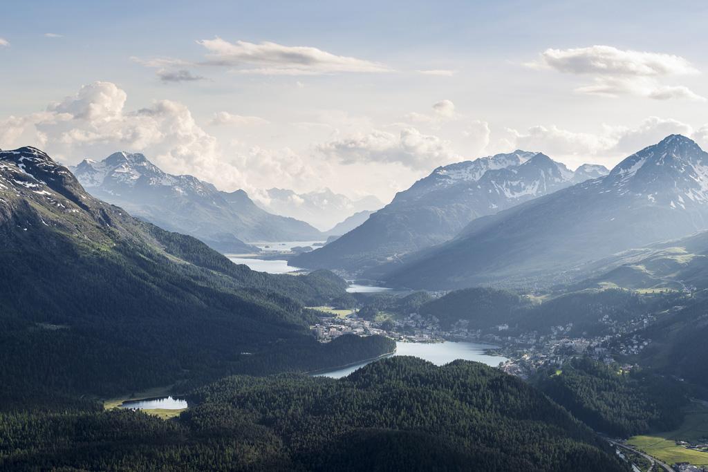 Panorama sui laghi di Sankt Moritz dal Muottas Muragl