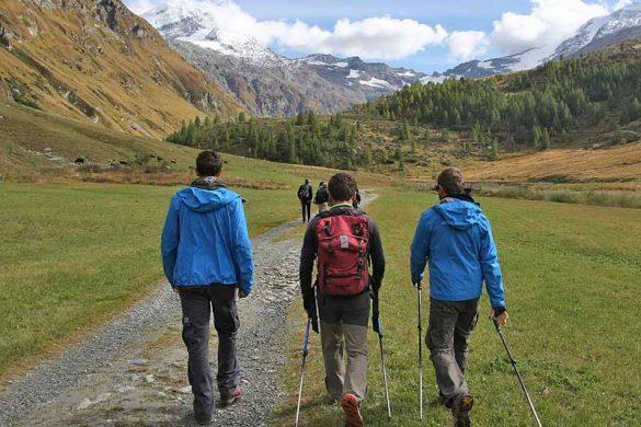 camminare-in-montagna-autunno