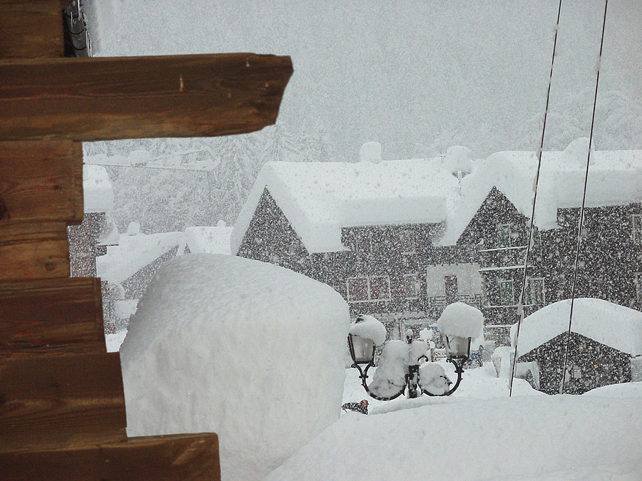 Neve in montagna: per ecosistemi, ghiacciai e piste da sci cresce l'attesa