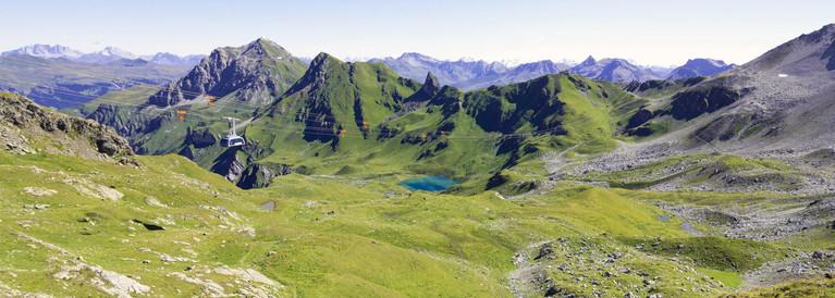 Veduta estiva delle montagne di Lenzerheide