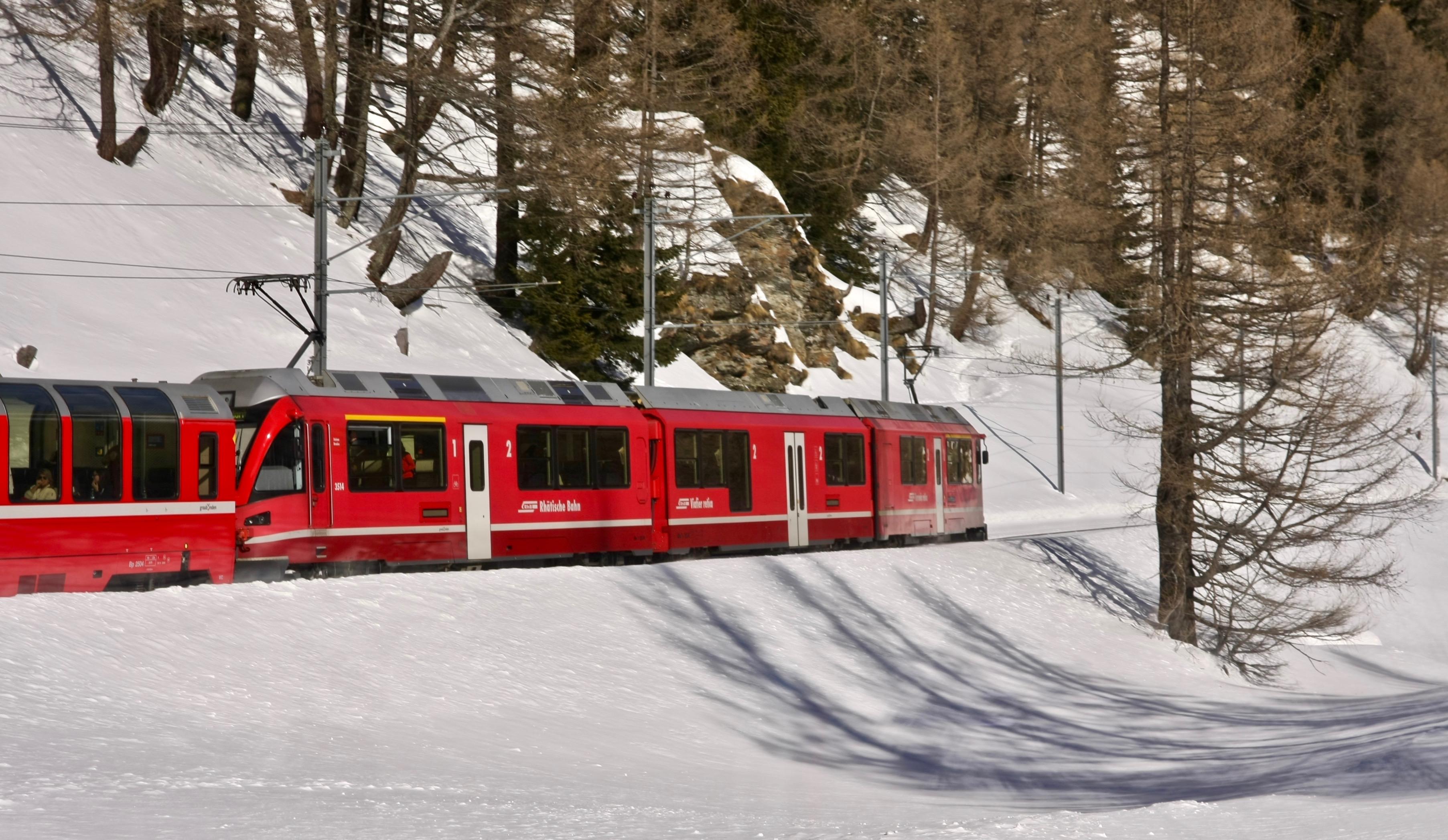 Treno del Bernina: fotoracconto di una giornata d'inverno