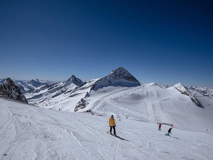 Zillertal, sci sul ghiacciaio di Hintertux - foto Thomas Straub