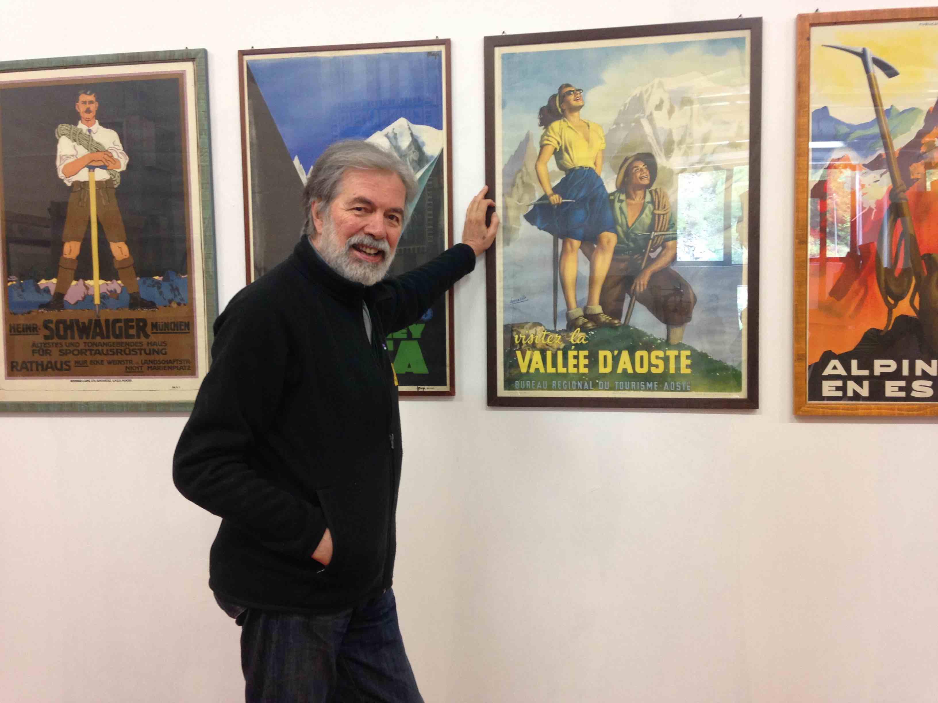 Gioachino Gobbi, dal 1981 a capo della ditta Grivel, nella fase di allestimento dell'Espace Grivel a Courmayeur