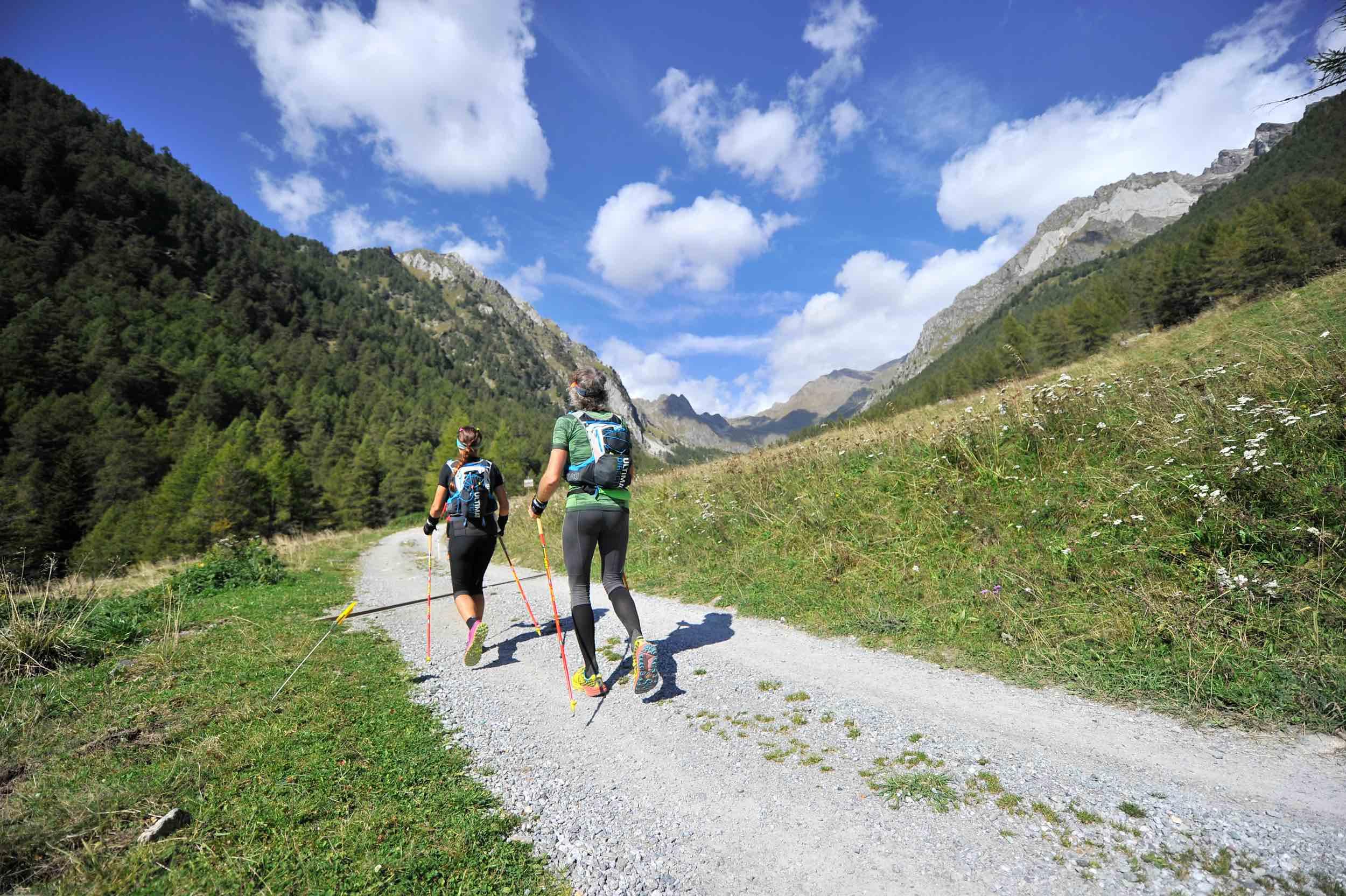 Adamello-ultra-trail-2018-atleti-sulle-alpi