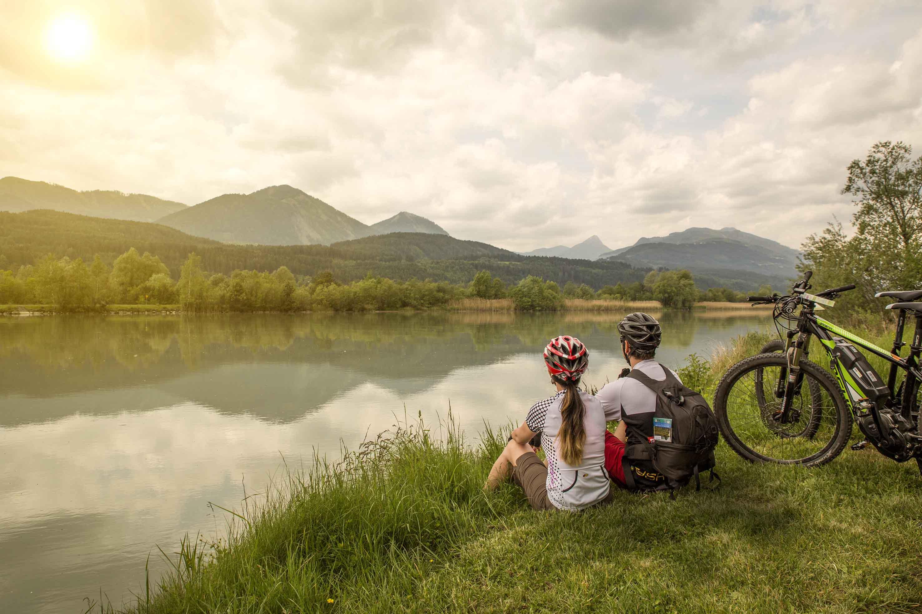 Copyright_Region-Villach-Tourismus_LIK-Fotoakadmie_-Martin_Jordan_Drauradweg_E-Bike