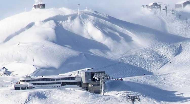 Rischio valanghe a St. Anton: stop per la Coppa del Mondo di sci femminile