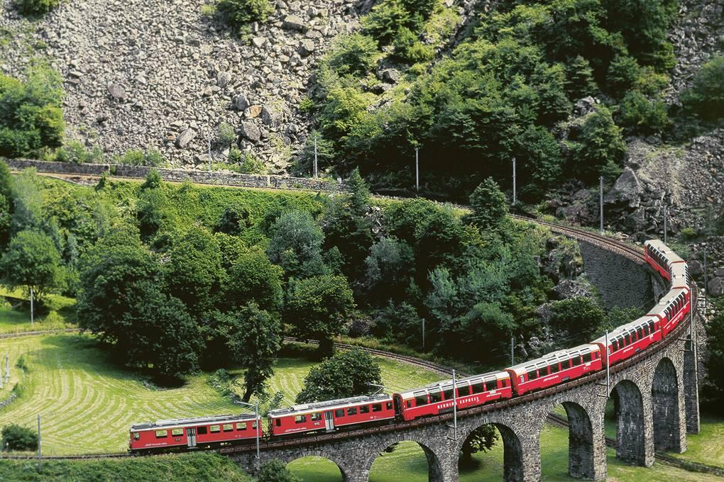 Viadotto elicoidale Brusio treno Bernina Express