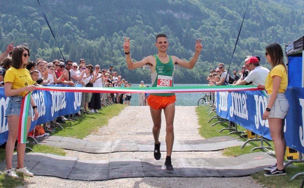 Arrivo Emanuele Franceschini Molveno Lake Running 2019