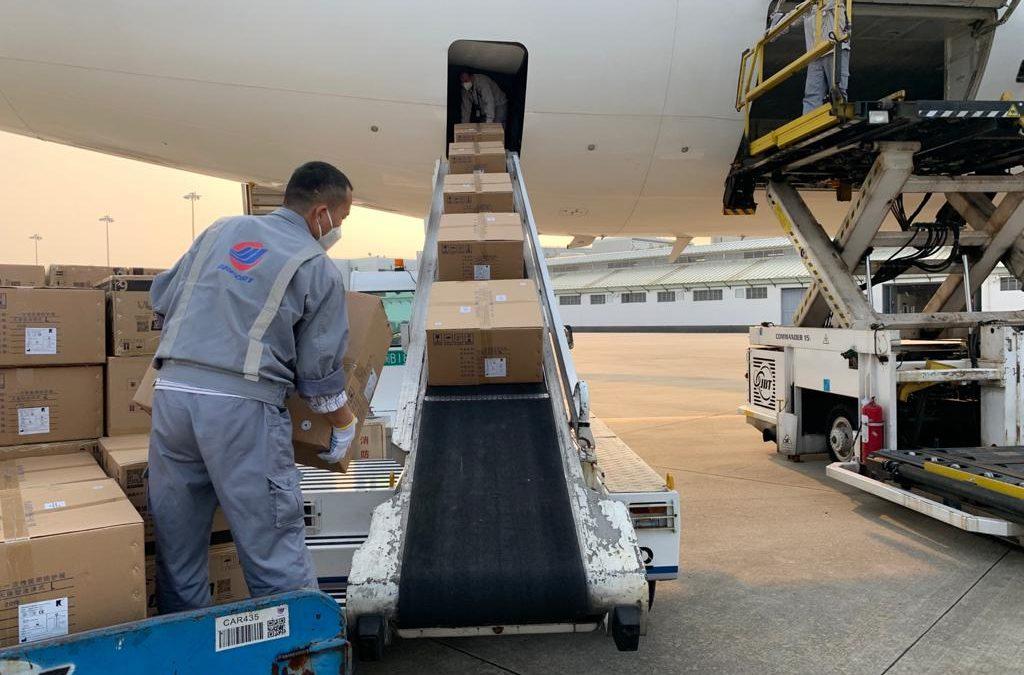 Salewa al lavoro per l'emergenza Covid-19: in consegna 16,5 milioni di mascherine e 600.000 camici