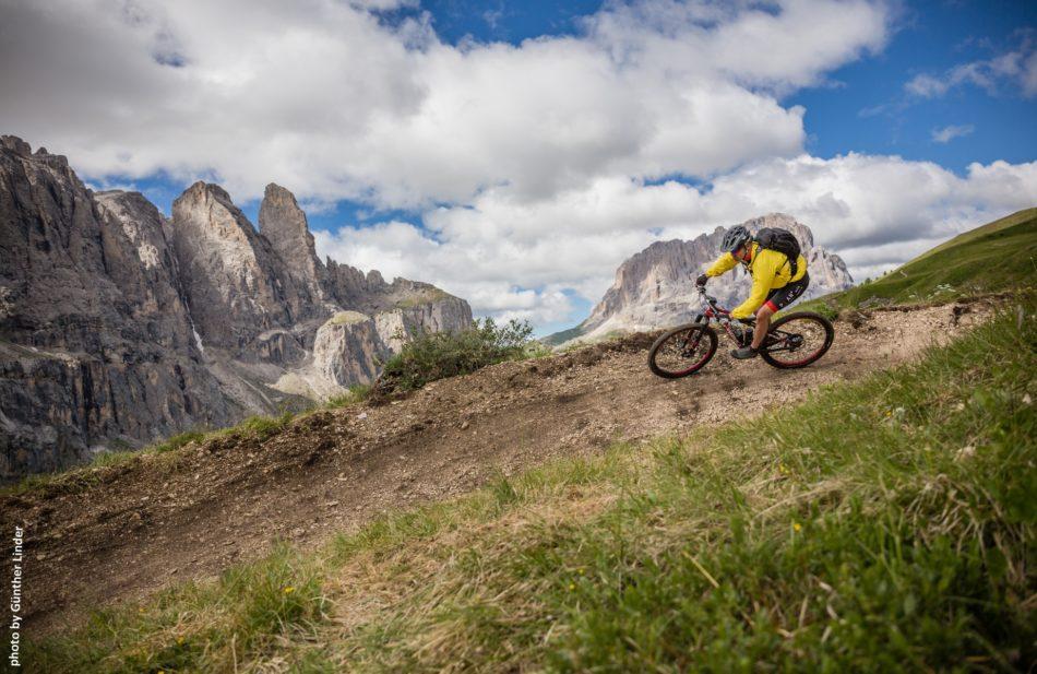 Mountain Bike in Val Gardena: 22 itinerari per l'estate 2020