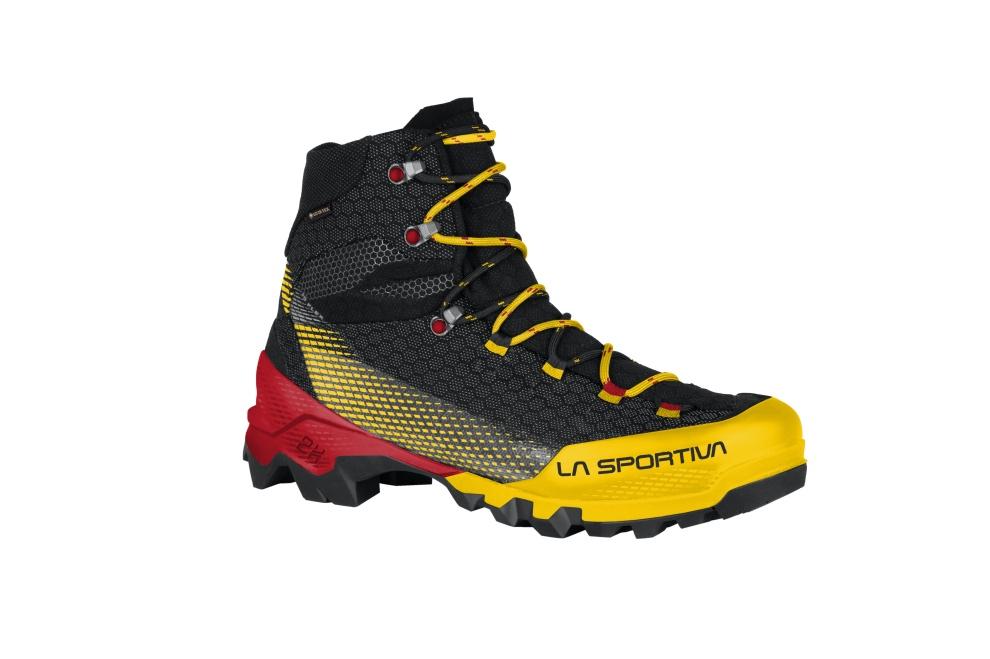 Scarponi La Sportiva Aequilibrium ST GTX per vie ferrate, trekking e traversate in ghiacciaio