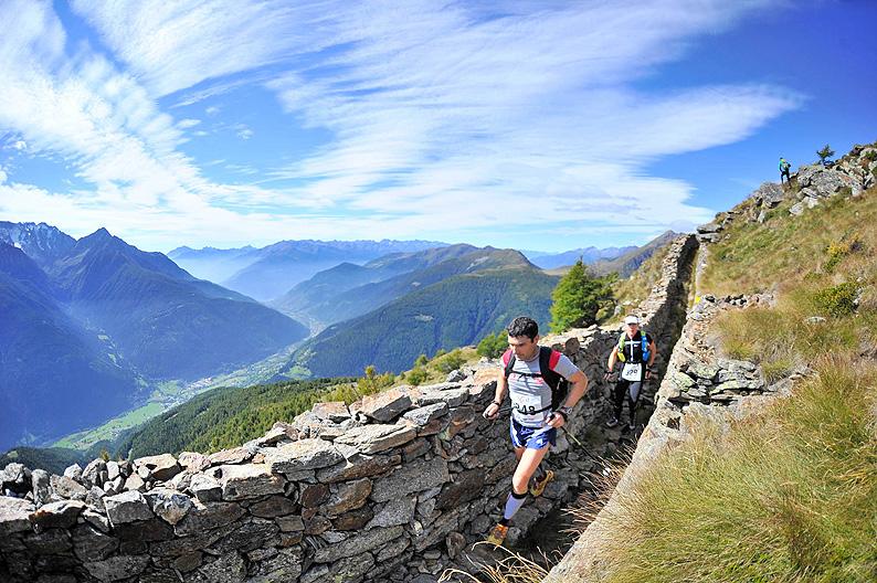 Gara di corsa in montagna sull'Adamello