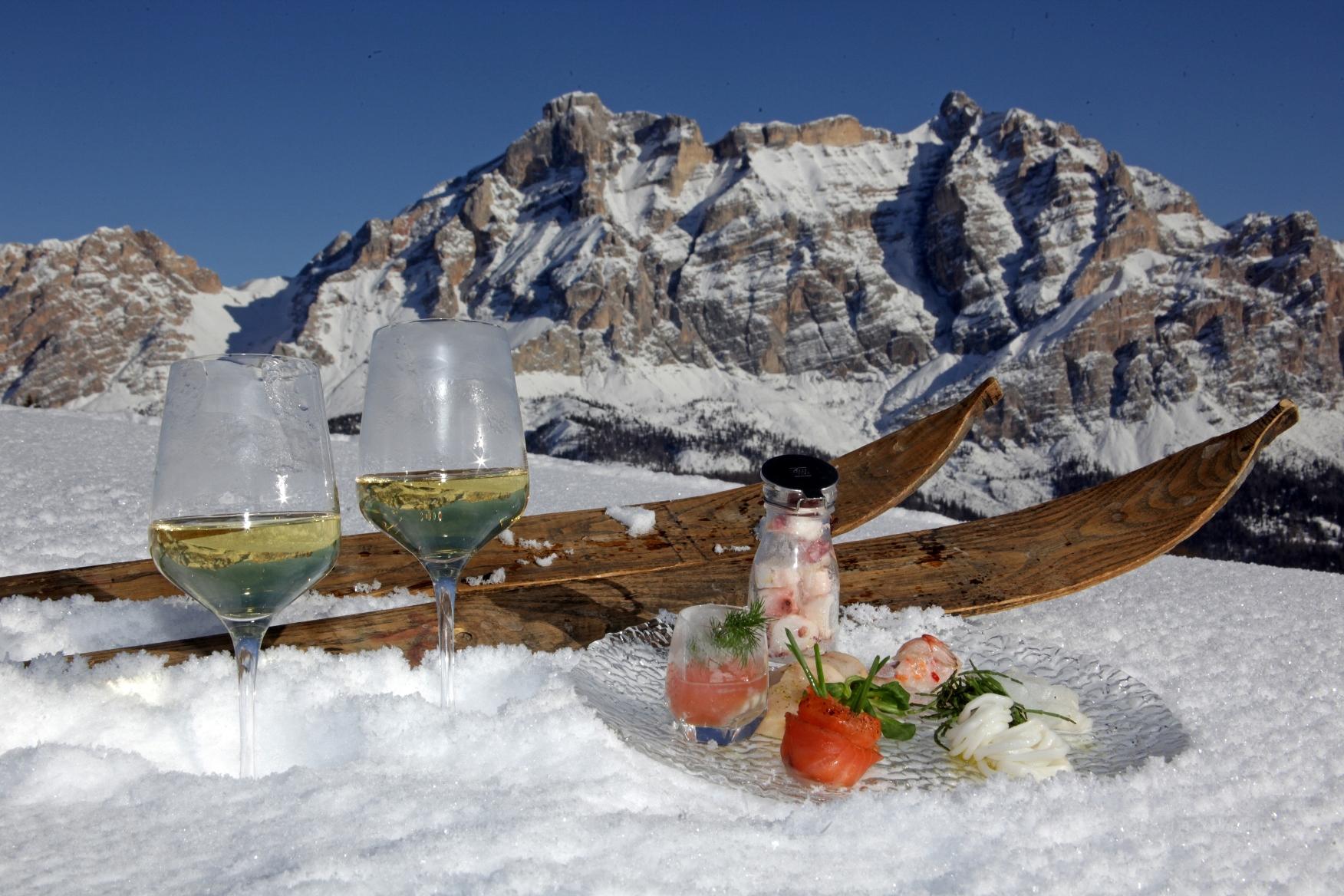 Sciare con gusto sulle nevi dell'Alta Badia