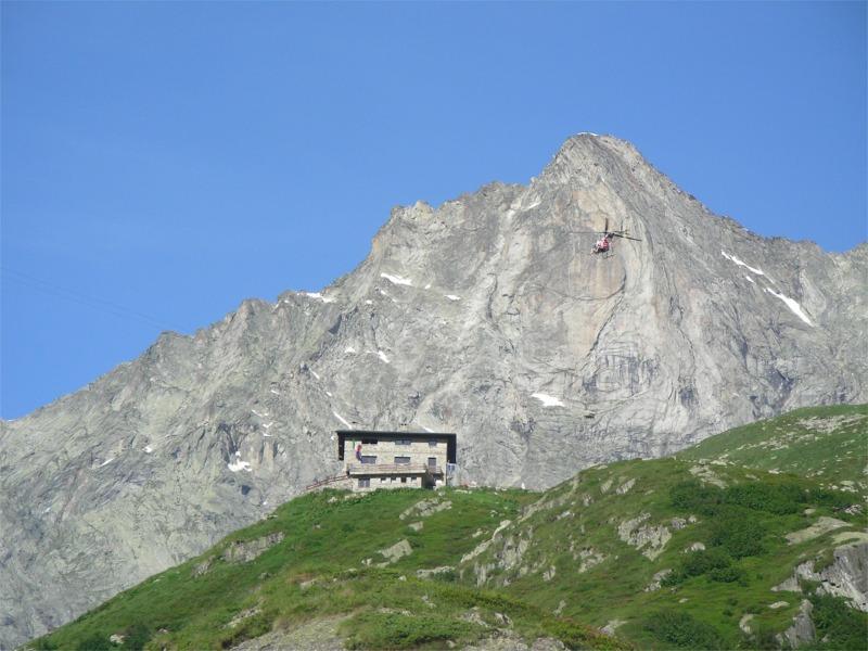 """Progetto Vetta: convegno """"Qualità e tecnologia in vetta"""". Sosteniblità e rifugi alpini"""