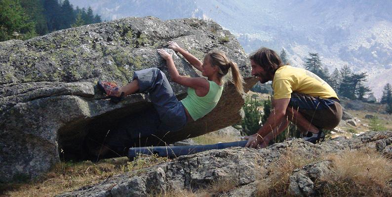 Bouldering in valle Gesso