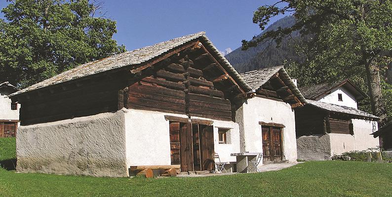 Autunno in Val Bregaglia, nel regno delle castagne