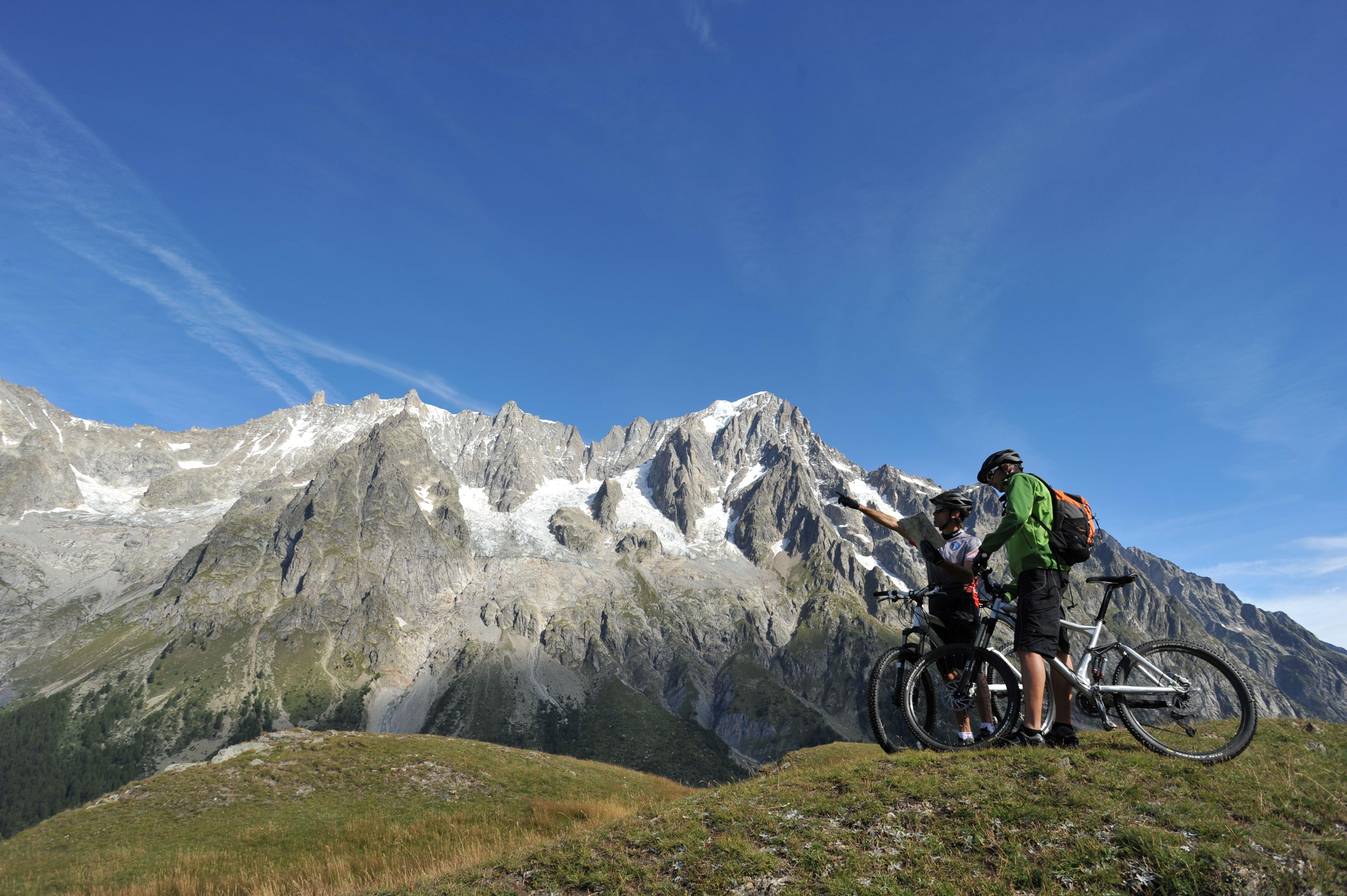 Valle d'Aosta da scoprire, in bicicletta