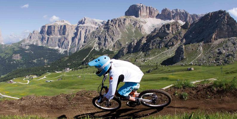 Mountain bike: discese emozionanti con Sellaronda Hero Gravity Tour