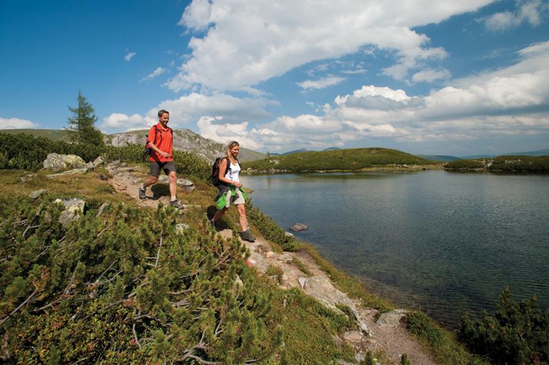 Alpe-Adria-Trail e Pista ciclabile della Drava: camminare e pedalare in Carinzia