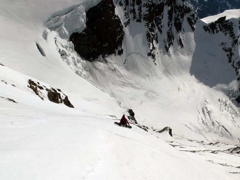 """Davide Capozzi e Julien Herry """"pennellano"""" in snowboard il """"Trittico del Grand Combin"""""""