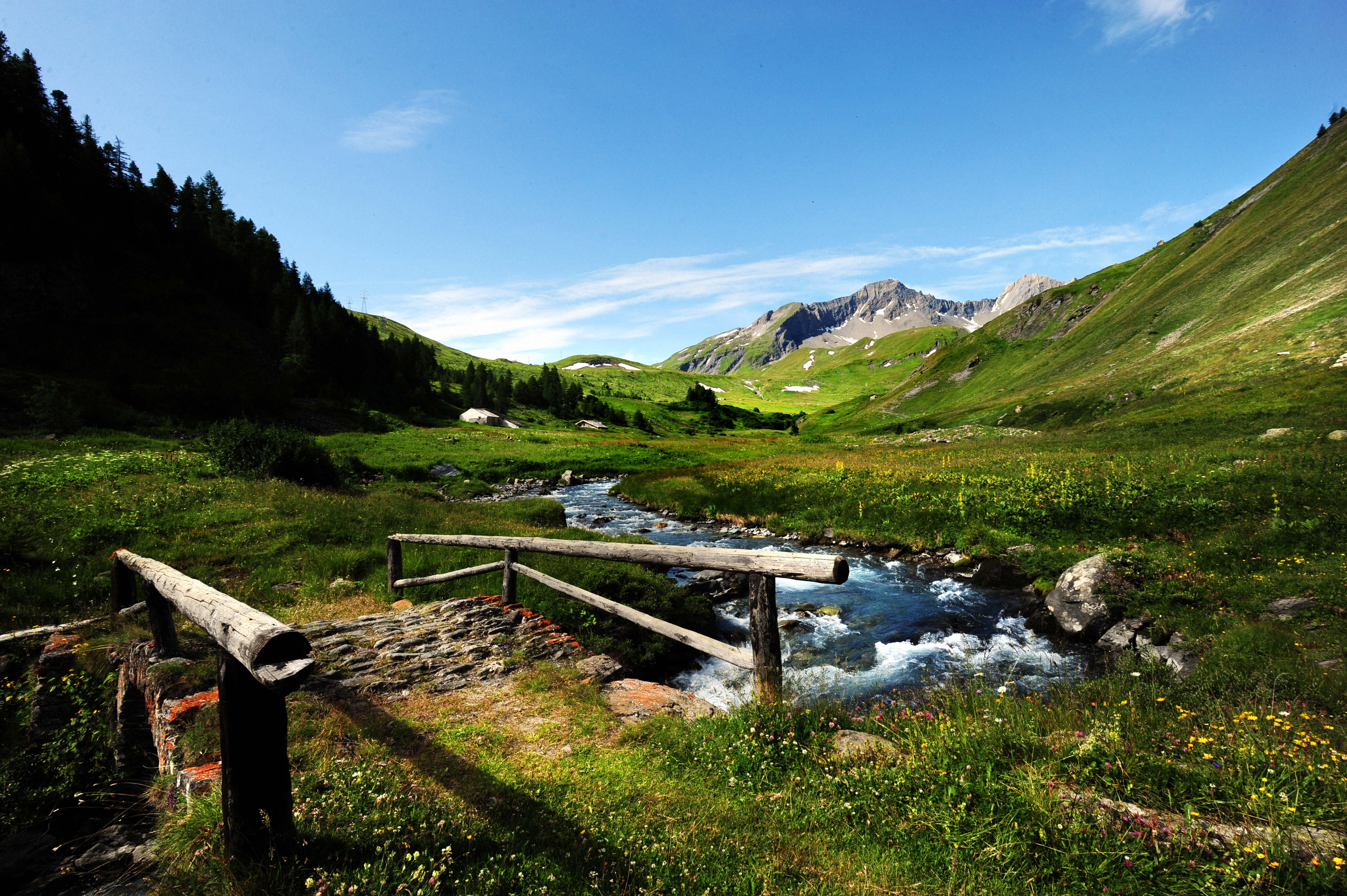 Scopriamo La Thuile, tra natura, Alpi e storia