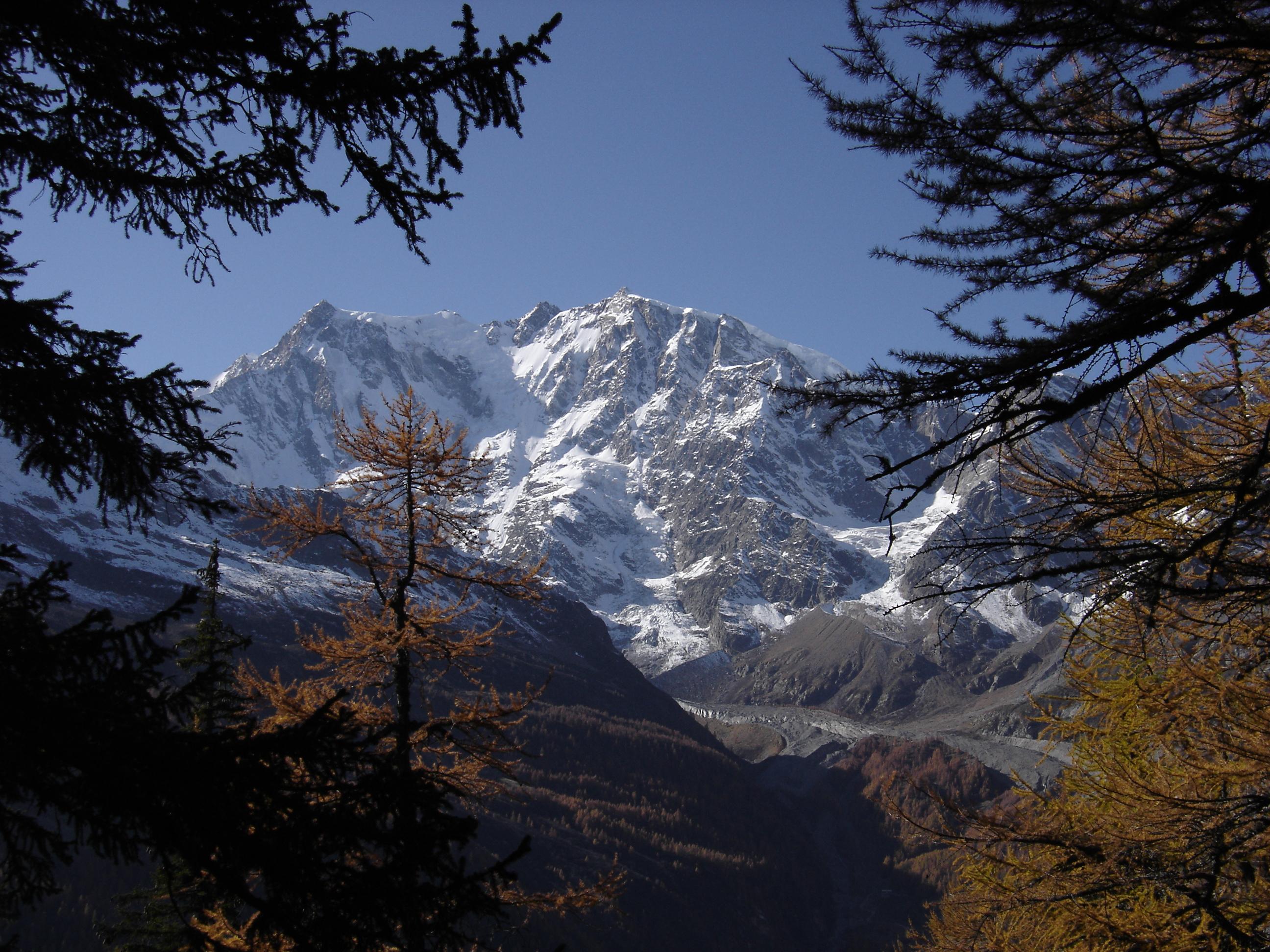 Macugnaga: perla Walser ai piedi del Monte Rosa