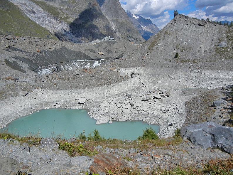 Si svuota il lago del Miage, ai piedi del Monte Bianco