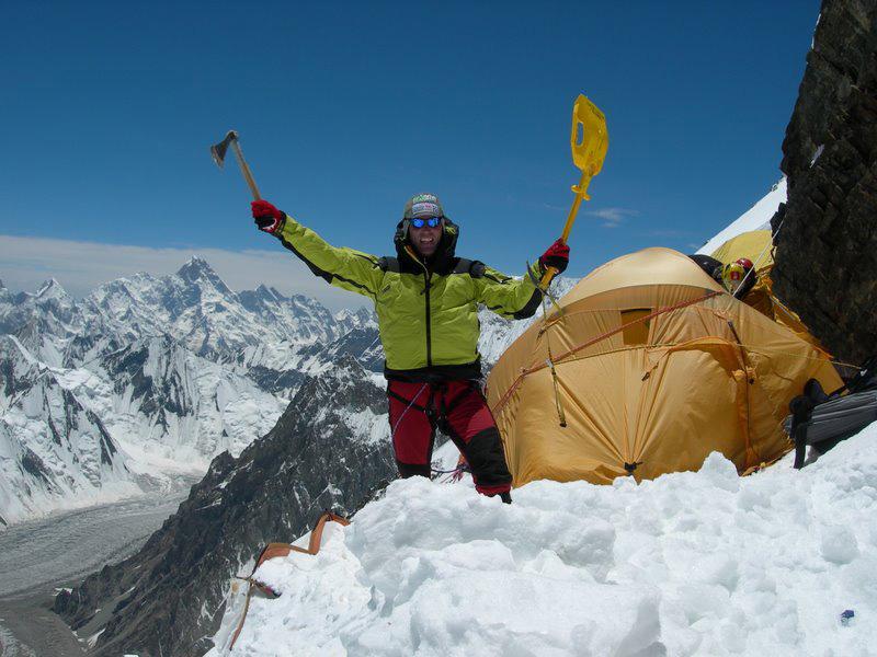 L'alpinista Marco Confortola ad Aprica