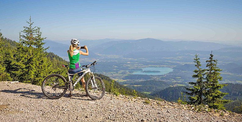 Mountain Bike a Villach con i colori dell'autunno