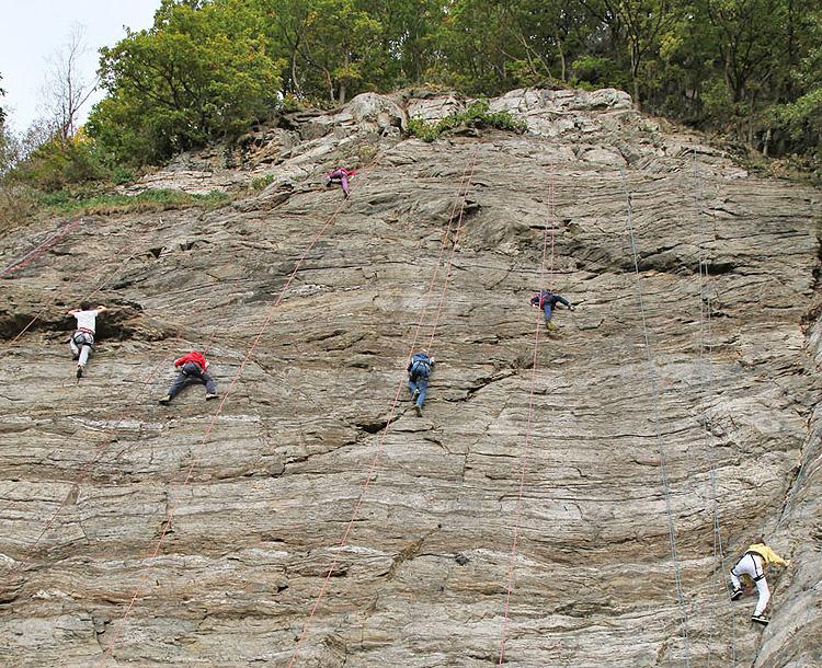 Inaugurata la palestra d'arrampicata ai Castéi di Aprica