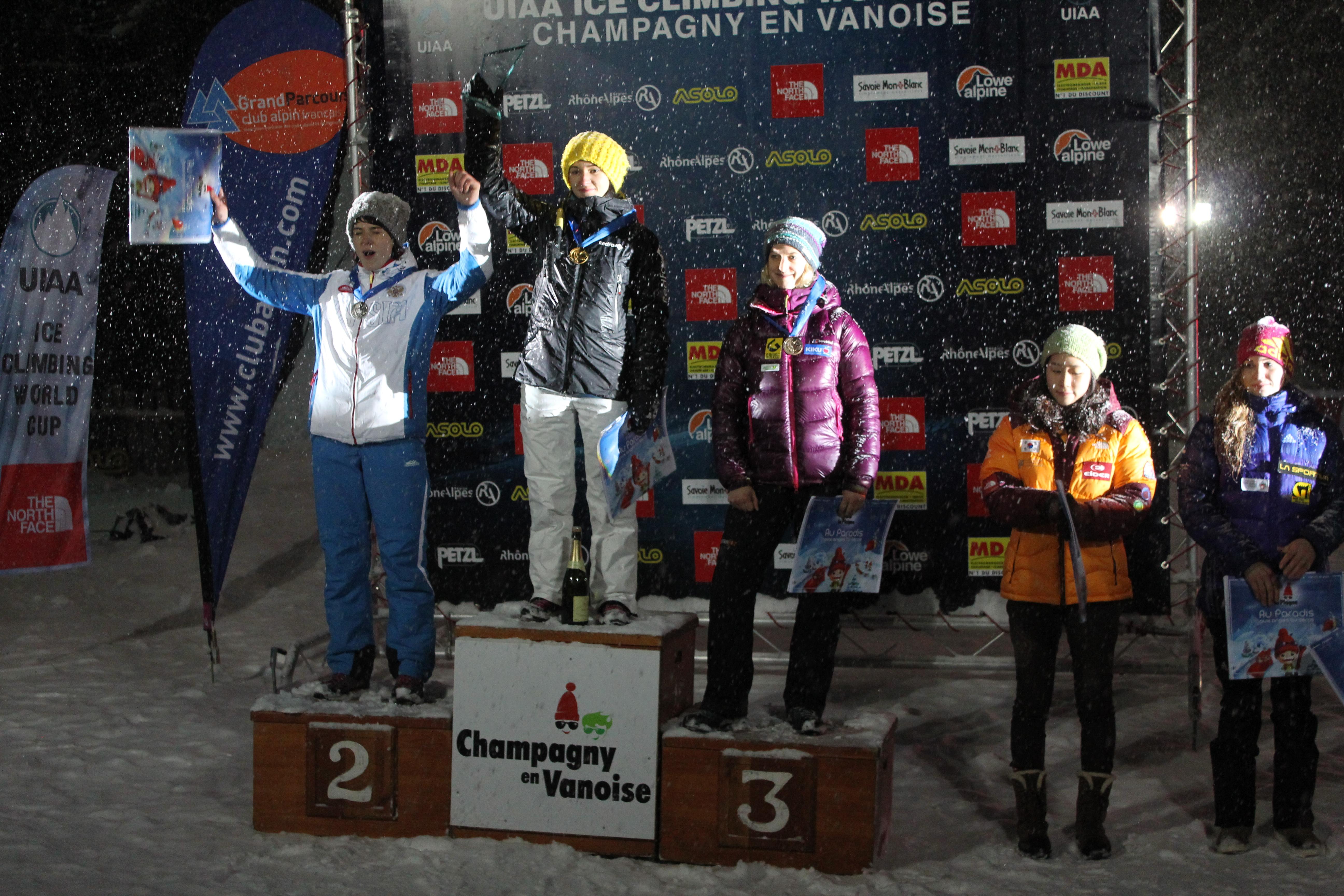 La Coppa del mondo di arrampicata su ghiaccio a Champagny en Vanois