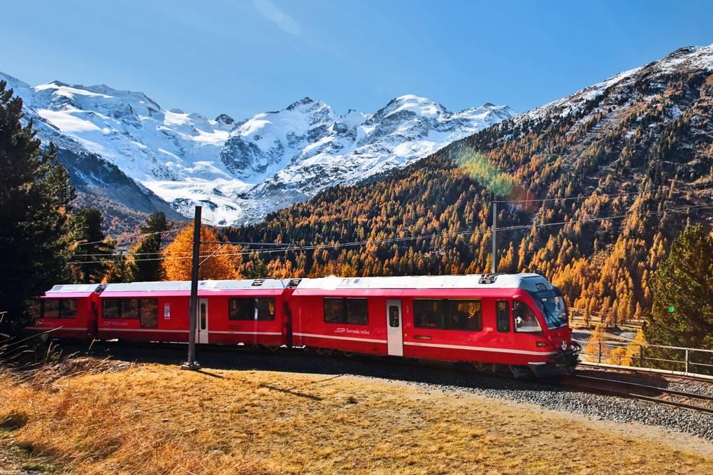 A pranzo sul treno rosso del Bernina