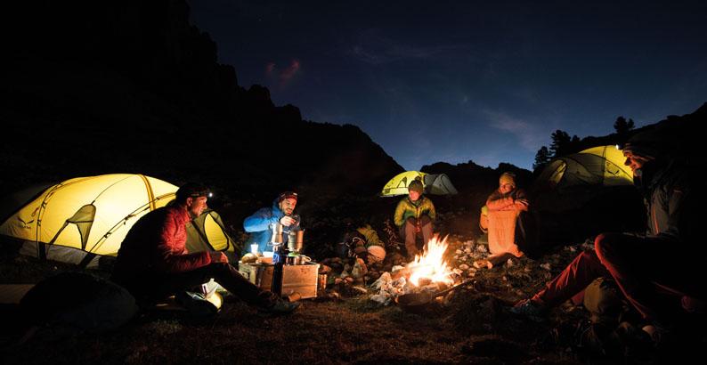 Notte in tenda tra le Dolomiti dell'Alta Badia