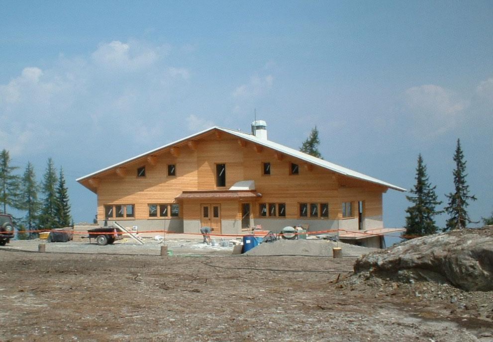 Rifugio Valtellina: tra meno di un mese il vernissage
