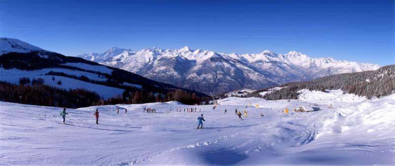 Pila Valle d'Aosta: Ski in the Sky