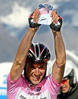 Aprica al lavoro per la tappa del Giro d'Italia
