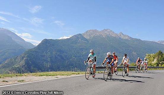 Ciclismo sulle Alpi con La Montblanc, nuova granfondo alpina nell'alta Valle d'Aosta