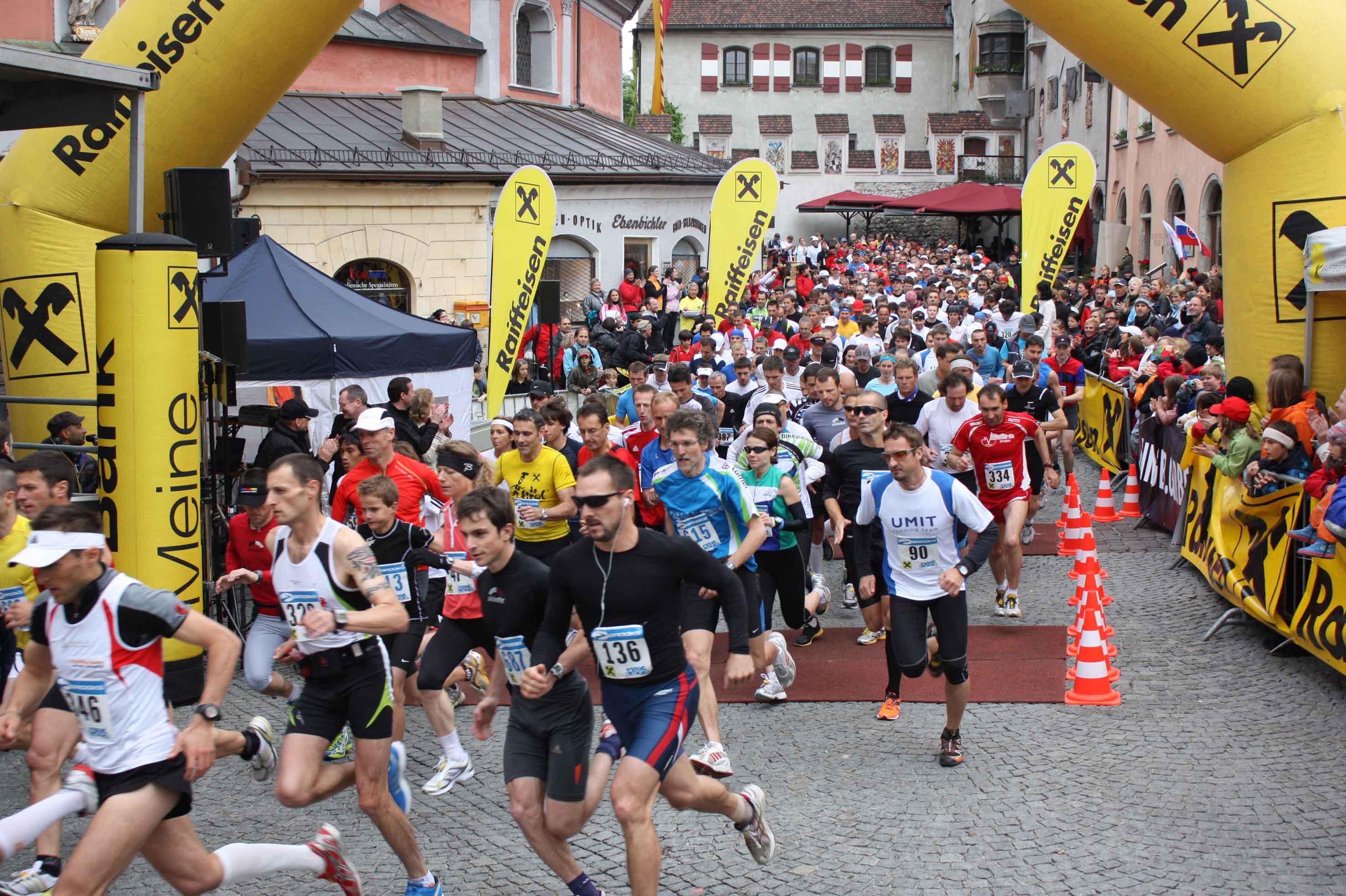 Correre sulle Alpi, la Mezza Maratona di Hall Swarovski Watten