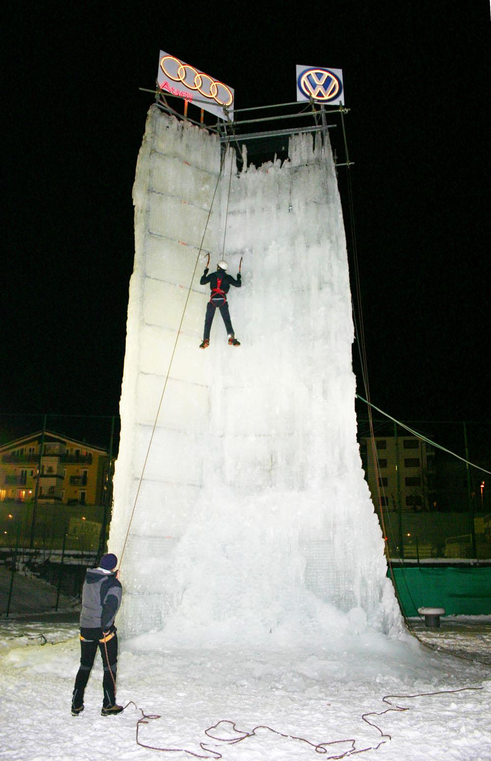 Nel paese di Aprica, sci di fondo, arrampicata su ghiaccio e pattinaggio
