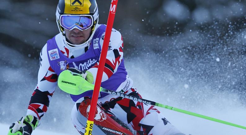 Marcel Hirscher vince lo slalom di Santa Caterina